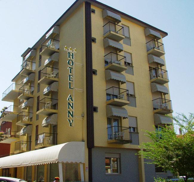 Hotel jesolo anny 3 stelle con spiaggia privata - Hotel jesolo 3 stelle con piscina pensione completa ...