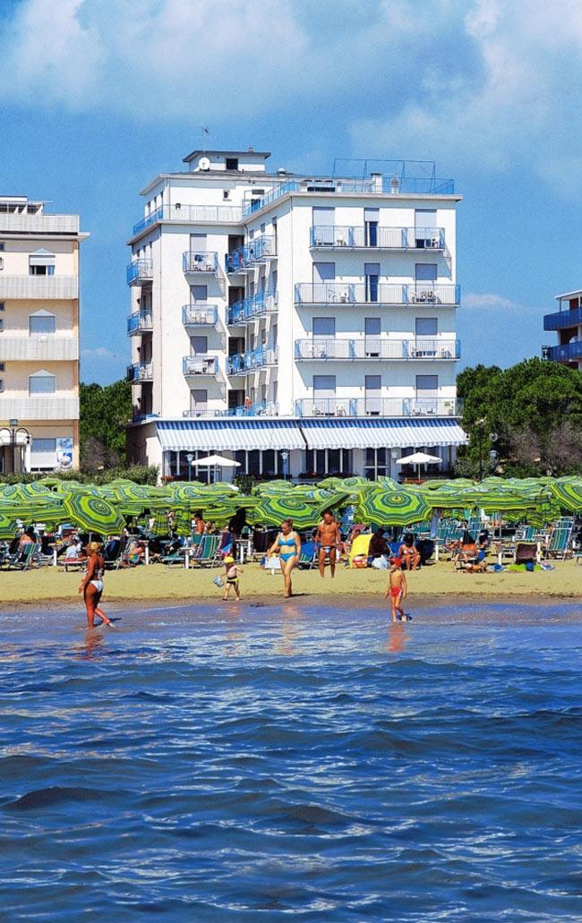 Hotel jesolo ancora 3 stelle frontemare con piscina - Hotel con piscina jesolo ...