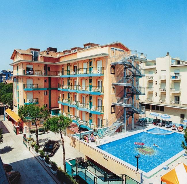 Hotel jesolo kennedy 3 stelle con piscina for Piscina kennedy
