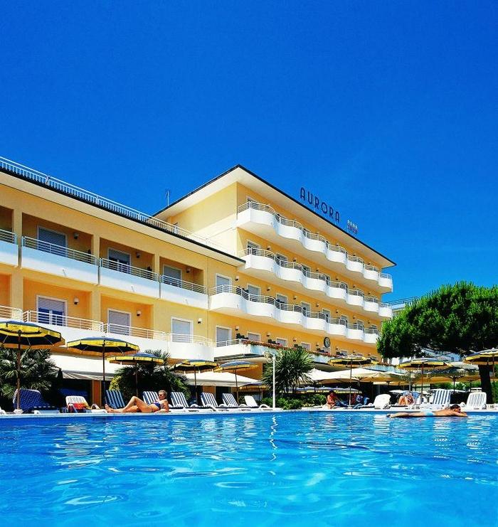 Hotel aurora jesolo 4 stelle fronte mare con piscina - Hotel jesolo con piscina fronte mare ...