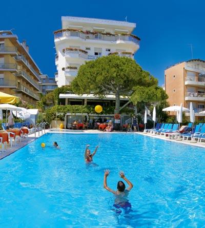 Hotel oxford jesolo 4 stelle con piscina - Hotel con piscina jesolo ...