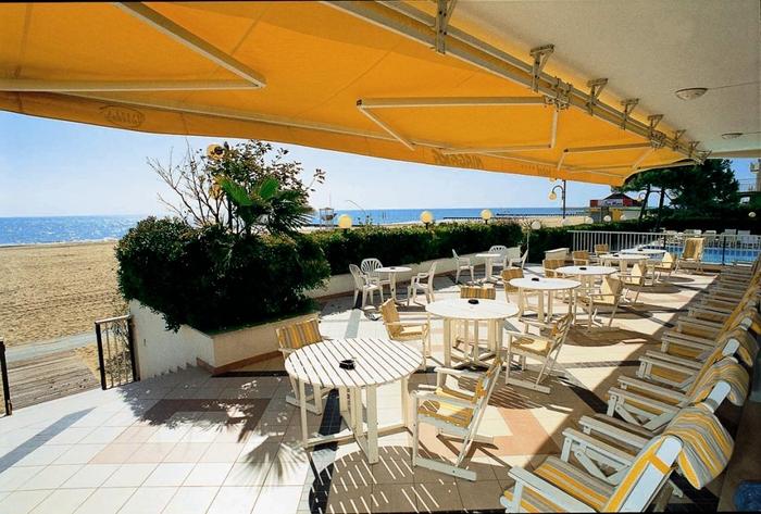 Hotel niagara jesolo 4 stelle con piscina fronte mare - Hotel jesolo con piscina fronte mare ...