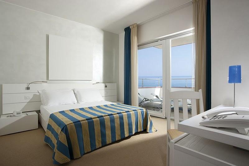 Hotel adriatic palace jesolo 4 stelle frontemare con piscina - Alberghi con camere a tema ...