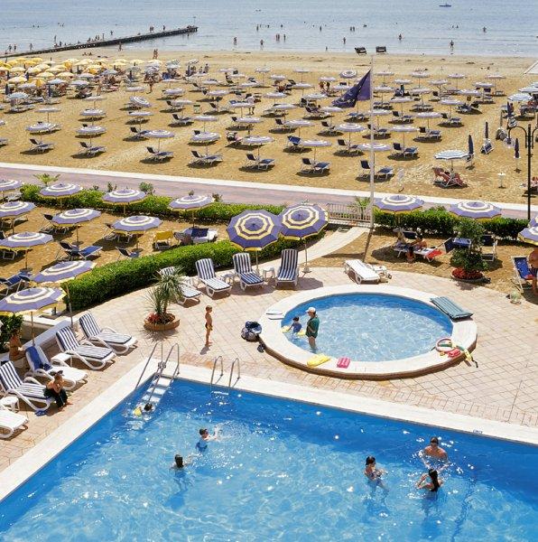 Hotel aurora jesolo 4 stelle fronte mare con piscina - Hotel con piscina jesolo ...