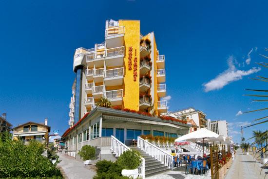 Hotel capri jesolo 3 stelle frontemare con piscina - Hotel con piscina jesolo ...