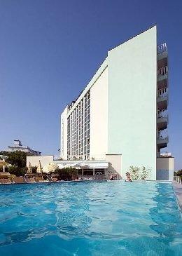 Hotel Nember & Garden