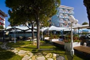 Hotel Monaco & Quisisana